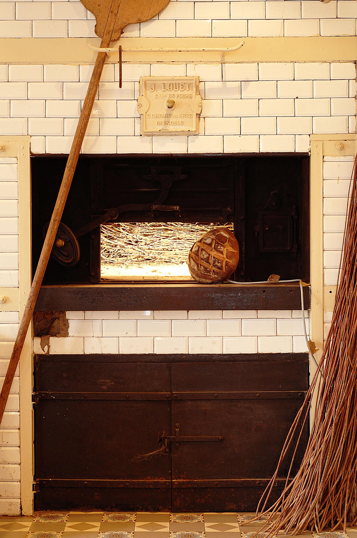 Chez le p r gras l ancienne cuisine veille au grain de - Friteuse a l ancienne ...